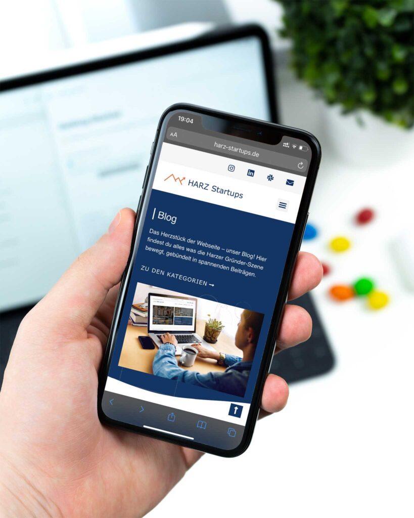 iPhone dass die Webseite von HARZ Startups zeigt